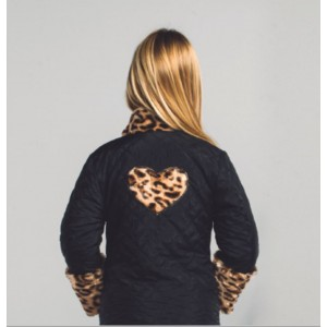 Parka negra animal print